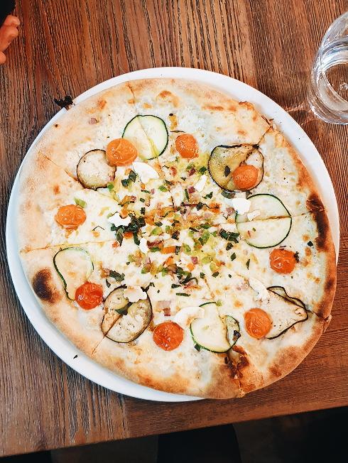 Veggie pizza from Oven Mozzarella Bar
